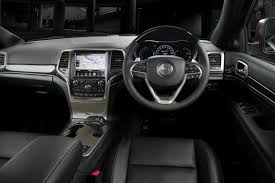 jeep cherokee dashboard 2013 jeep grand cherokee pricing and specifications photos 1
