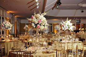 discerning traditional wedding decor