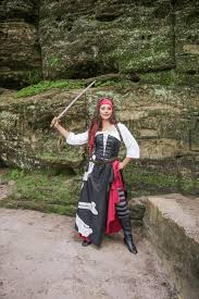 Pirate Woman Halloween Costumes Pirate Costumes Halloweencostumes