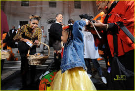 michelle obama trick or treating at the white house photo