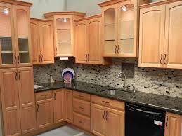 where to get cheap kitchen cabinets best 25 maple kitchen cabinets ideas on pinterest craftsman
