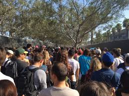 line from hell returns to fyf 2016 attendees wait hours to get