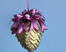 tutorial how to make fabric and ribbon pinecone ornaments