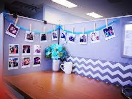 Wallpaper For Cubicle Walls by Diy Desk Glam Give Your Cubicle Office Or Work Space A Makeover