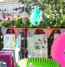 blumen fã r balkon kreative deko für balkon und garten küchensieb wird zur