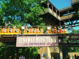Six Flags New Jeresy Runaway Mine Train Pov Great Adventure Six Flags New Jersey