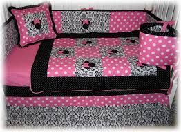 Queen Minnie Mouse Comforter Best 25 Minnie Mouse Bedding Ideas On Pinterest Minnie Mouse
