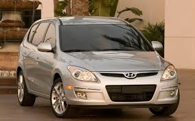 2009 hyundai elantra touring review 2009 hyundai elantra touring 5 door look motor trend