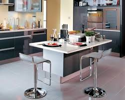 ilot central dans cuisine table ilot de cuisine central avec integre dans l espace 5775195
