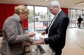 bureau de vote 15 présidentielle le vote en images dans le lot et garonne sud ouest fr