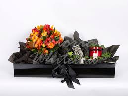 candle and flower delivery direct to the door