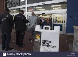 wesley chapel fl usa 27th nov 2014 bargain hunters shop for