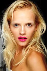medium long blonde hairstyle medium loose curls hairstyles long