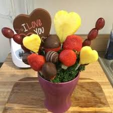 edible arrangementss edible arrangements 21 photos gift shops 520 w 21st st