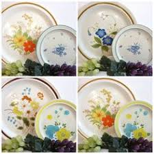 2 color by nikko 10 5 dinner plates vguc stoneware