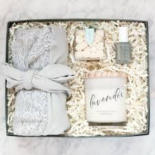 bridesmaids gifts best 25 inexpensive bridesmaid gifts ideas on