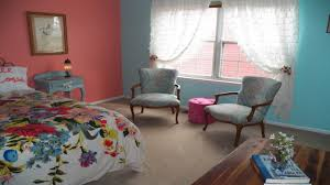 Impressive Vintage Nuance Pink Wall Combined With Wooden Floor With White Shelves Applied On