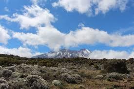 lexus is 300h neige christophe lehujeur mort au sommet du kilimandjaro 18 septembre