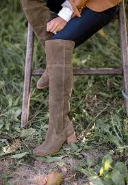 dsw womens boots size 12 fall trends 4 ways to style the knee boots