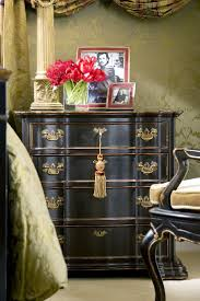 3 Vintage Furniture Makeovers For by Best 25 Black Painted Furniture Ideas On Pinterest Black