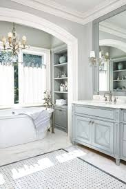 Chic Bathroom Ideas by Best 25 White Traditional Bathrooms Ideas Only On Pinterest