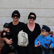 best halloween costumes for family of 4 the best costumes for families popsugar moms