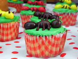 Decorate Your Own Cupcake Creepy Halloween Cupcake Ideas 4 Ur Break Provides Some