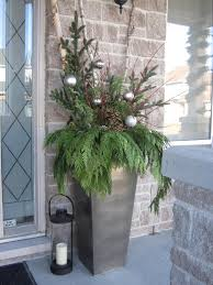 Christmas Decorations For Outdoor Urns by A Whole Bunch Of Christmas Entry And Porch Ideas U2014 Style Estate
