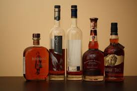 bourbon gift basket 16 bourbon of the month clubs gift baskets you can buy online