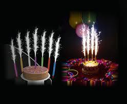 candele scintillanti attenzione alle fontane luminose sulle torte pericolose per la