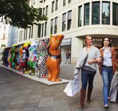 si鑒e social galeries lafayette the tourist ticket 随时上车不用买票200 个景点或文化活动享受优惠城市