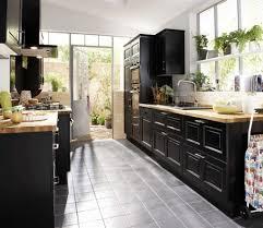 charmant cuisine bois noir galerie et cuisine bois et blanc lidl