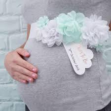 baby shower sash ideas décoration baby shower fille ou garçon boy or baby shower