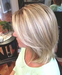 coupe de cheveux blond 10 superbes coiffures pour femme de 50 ans