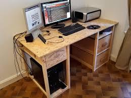 faire un bureau en bois chambre bureau en palette de bois meuble en palette tutos pour