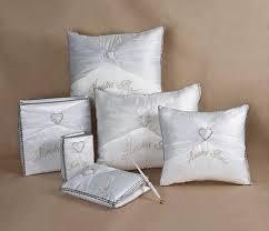wedding kneeling pillows 2020 heart brooch wedding kneeling pillow set quincenecessities