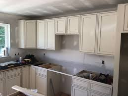 what color countertops go with cabinets what color granite goes with white cabinets