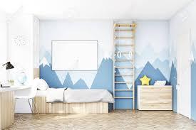 table chambre enfant vue de d un enfant la chambre avec un lit une bibliothèque et