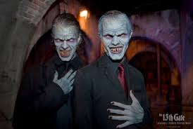 top 10 scariest and best halloween haunts in amusement parks