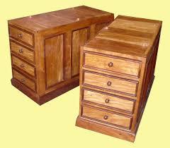 caisson bureau bois grand bureau à caissons en bois de palissandre et de margousier