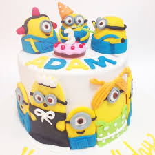 minion cake cartoon characters birthday cakes decorated cakes