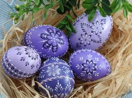 wax easter egg decorating set of 5 easter eggs in purple decorated chicken eggs wax