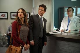 why are rob lowe and rashida jones leaving parks and rec ep