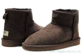 ugg sale in montreal ugg mens mini 5854 chocolate montreal uggs boots