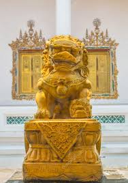 gold lion statue gold lion statue stock photo moccabunny 58477437