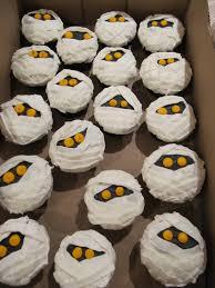 mummy halloween cake halloween cupcakes u2013 erica u0027s edibles