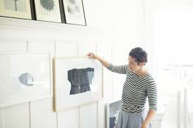 how to hang photo frames on wall without nails hanging a gallery wall without nails hanging frames on wall without