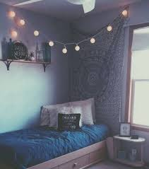what does chambre in lit bleu mode grunge équipement pales