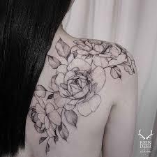 flower tattoos on shoulder blade greatest concepts