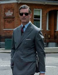 what color shirt with light grey suit eccentric ways to wear a burgundy tie this winter season